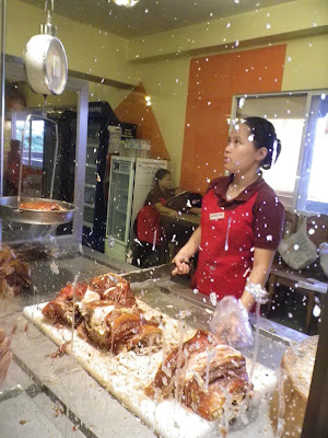 #032eatdrink, food, cebu, filipino cuisine, filipino food, fastfood, roast pig, lechon