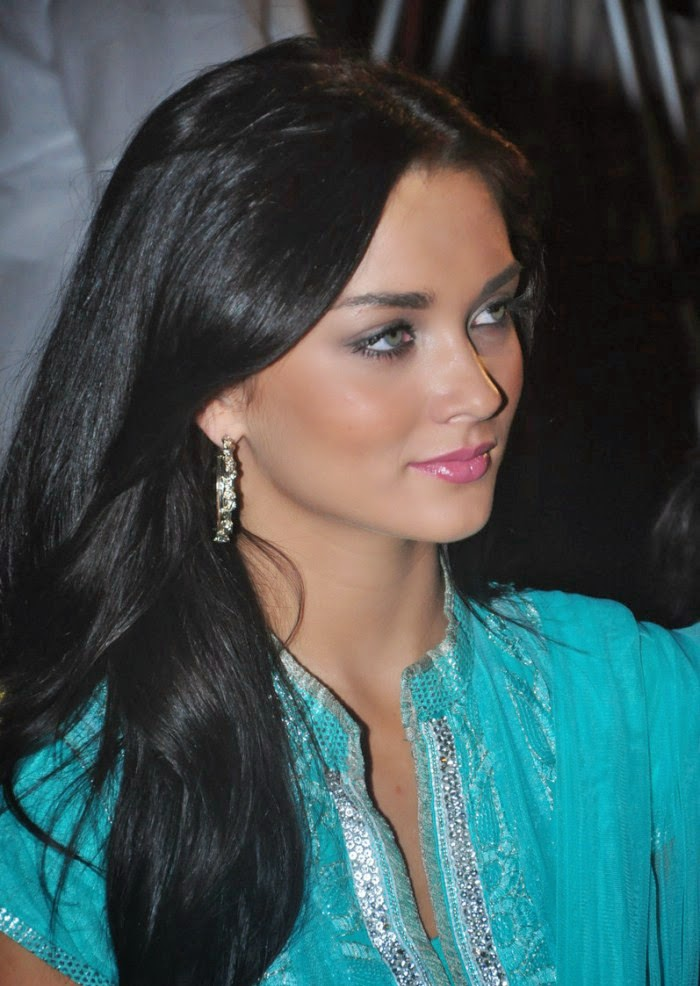 Amy Jackson :Amy Jackson Latest Hot HD Stills in Blue Dress (Photos/Pics/Images)