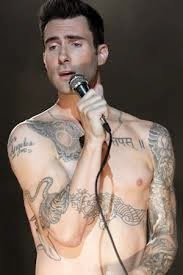 adam levine, adam levine tatoos, celebrity tattoos, ink, tattoo, tattoos, tatuajes, tv show, reality show, tattoo show, tatuaje, hot celebrities, hot, sexy, guys with tattoos, sexy tattoos, singer