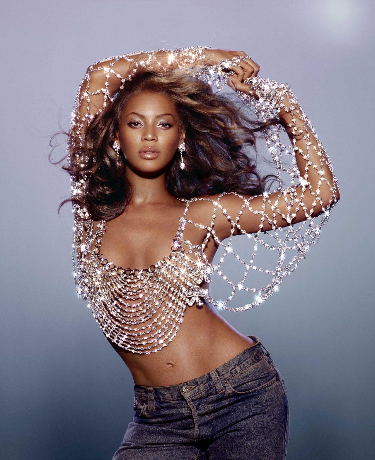 http://4.bp.blogspot.com/-SMmLE02zbZk/Tdq8Y_cmteI/AAAAAAAAIxw/UxauZcaJhXk/s1600/41379_actress-singer-beyonce-knowles-671255_122_826lo.jpg