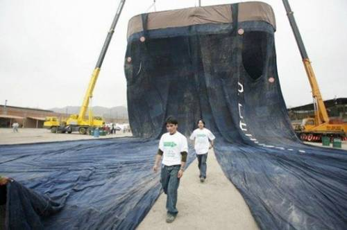 The Largest Pair of Jeans Ever