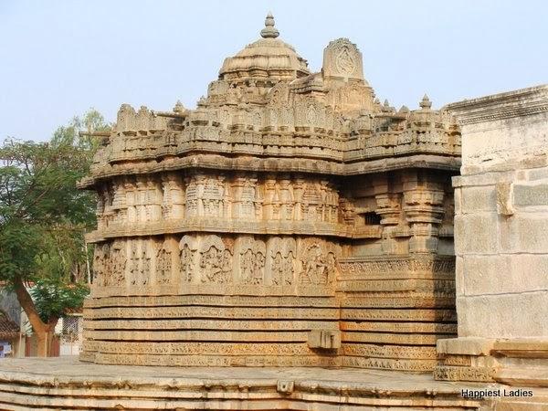 Lakshmi Narayana Temple Hoaholalu Temple Walls