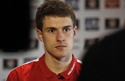 O jogador de futebol do Reino Unido, Aaron Ramsay, de 21 anos, virou garoto propaganda da Adidas. Atualmente joga pelo Arsenal (Foto: Ezra Shaw/Getty Images)