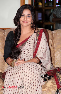 Vidya Balan Pictures in Saree at Celetion of Indian Film Festival of Melbourne 2013