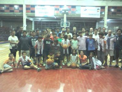 colectivo incendidado de Roberts en Chacabuco club atlético fútbol