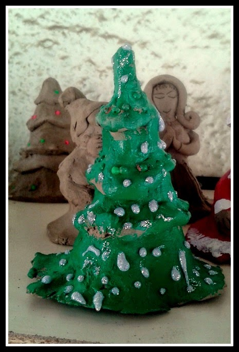 Xmas tree with snow flakes