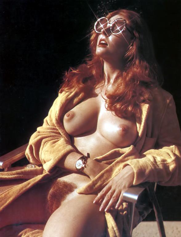 Elvira mistress of dark naked