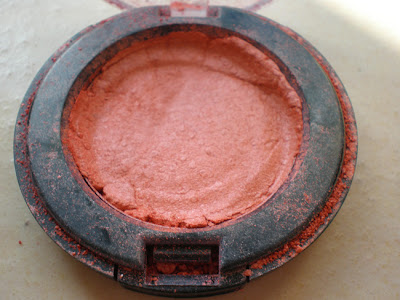how to fix a broken eyeshadow,fix eyeshadow,how to,diy,fashion diy