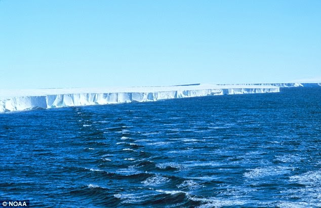 صورة تظهر حواف الجرف الجليدي