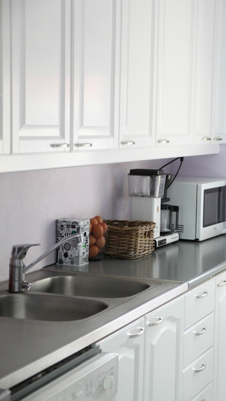 Rintamamiestalon keittiön pintaremontti  Marulla