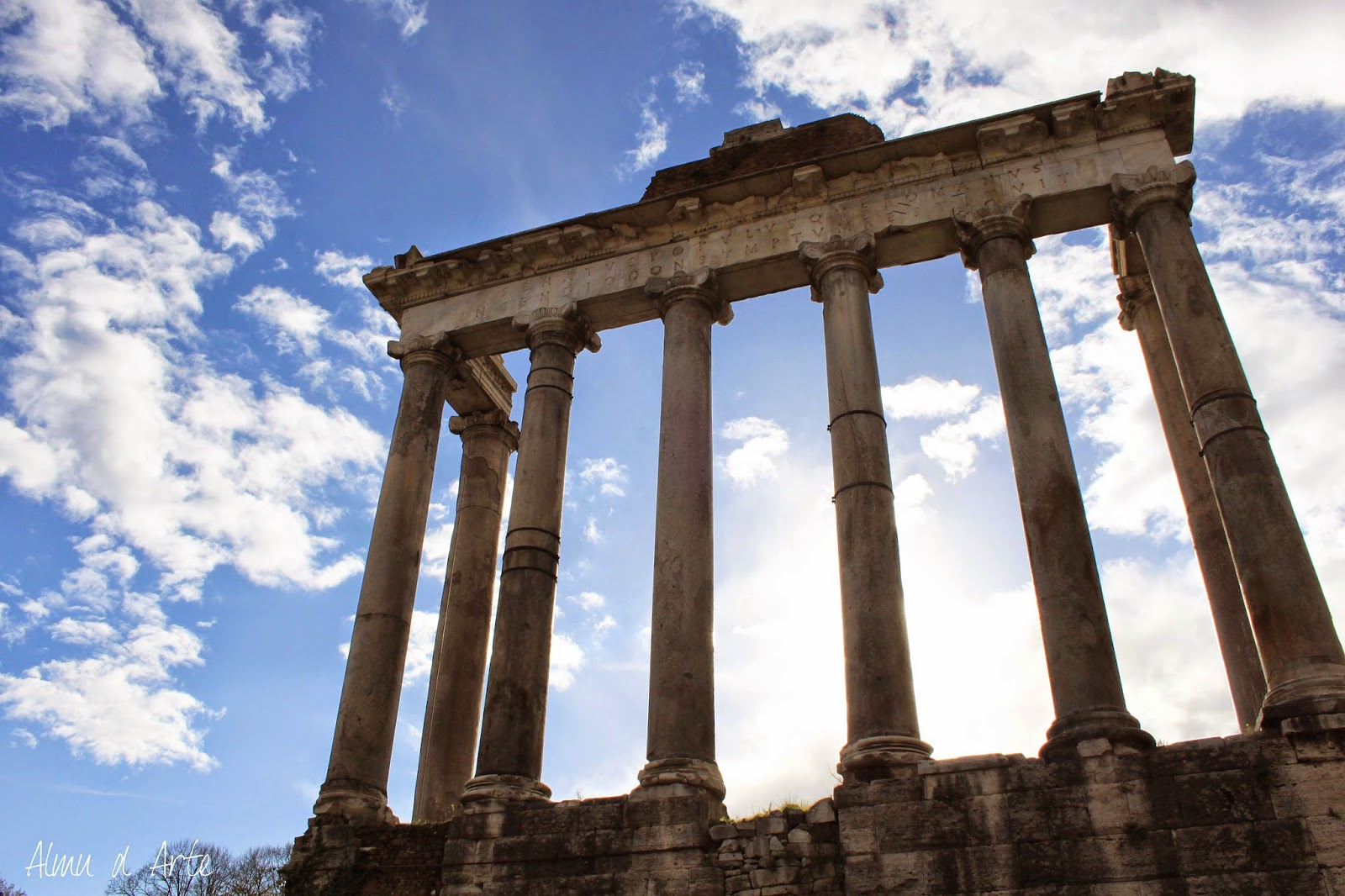 Restos de Monumentos en el foro romano