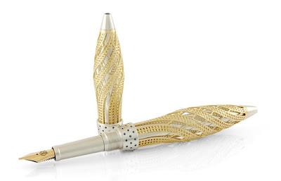 """Pen emas putih bertatah 76 butir berlian berbentuk """"Gherkin"""" (bangunan ikonik London) ciptaan Jack Row."""