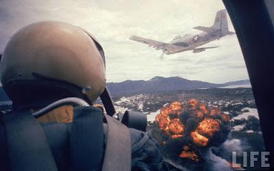 Airstrike Vietnam - napalm