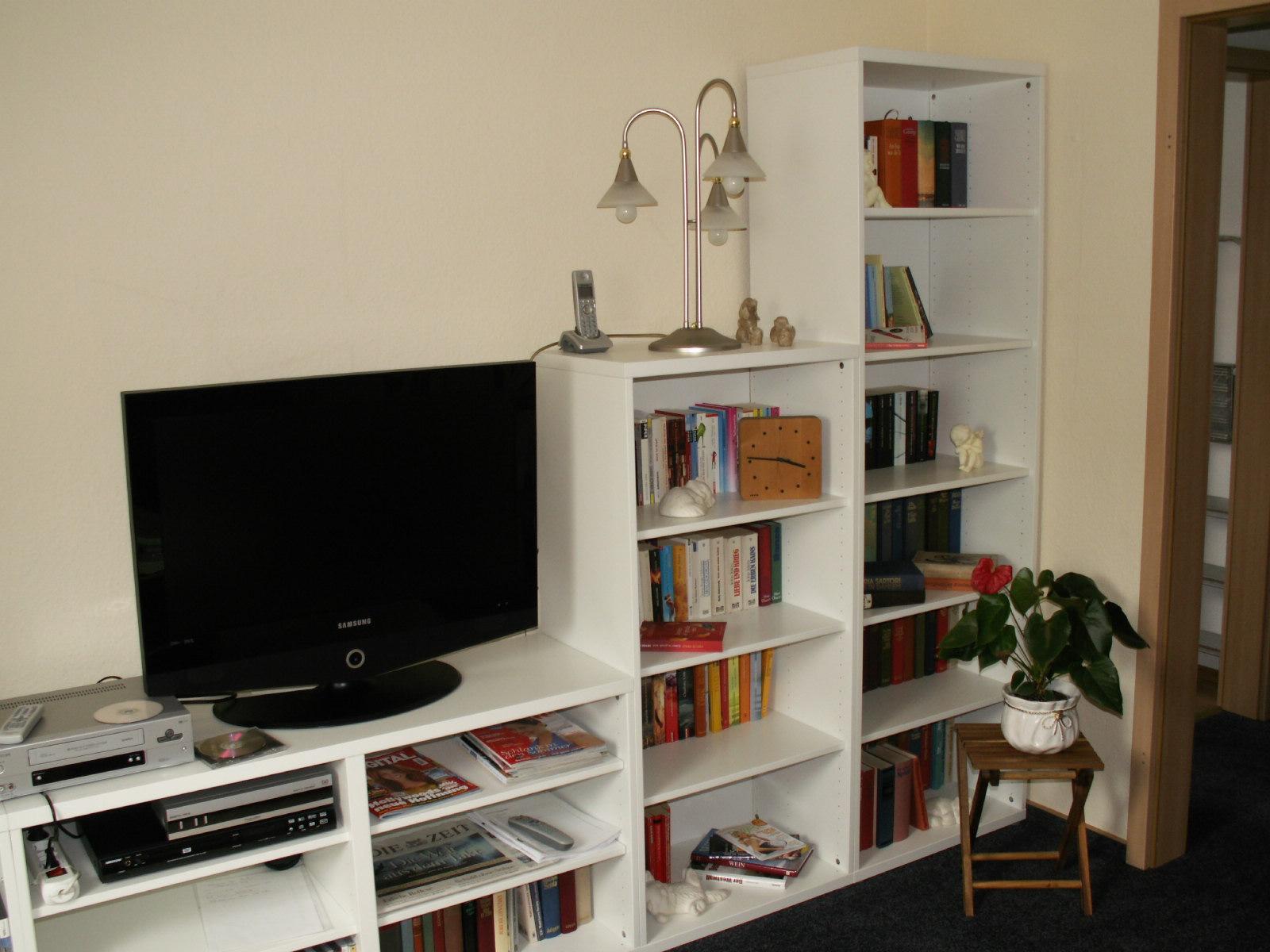 bernhardt wohnraum design mit tapeten gestalten. Black Bedroom Furniture Sets. Home Design Ideas