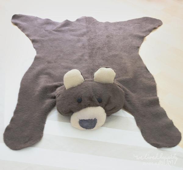 we lived happily ever after make your own bear rug for 6. Black Bedroom Furniture Sets. Home Design Ideas