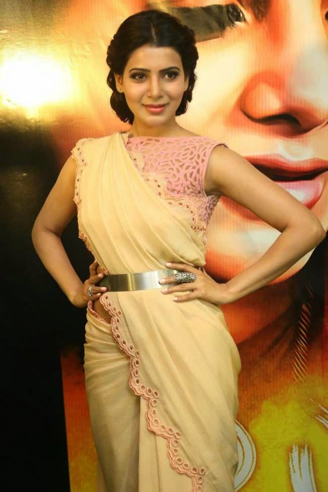 Samantha at Manam Press Meet