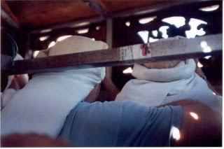 Las cofradias y costaleros en las procesiones de la Semana Santa de Calpe
