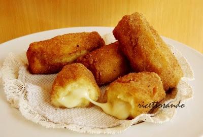 Crocchette di patate ricetta di crocchette farcite di formaggio filante
