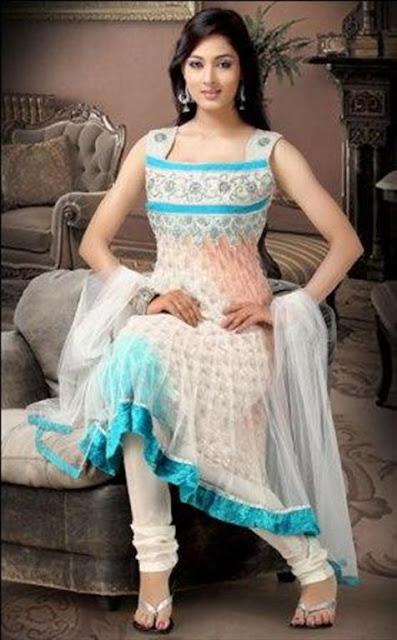 Pakistani Sleeveless Shalwaar Kameez