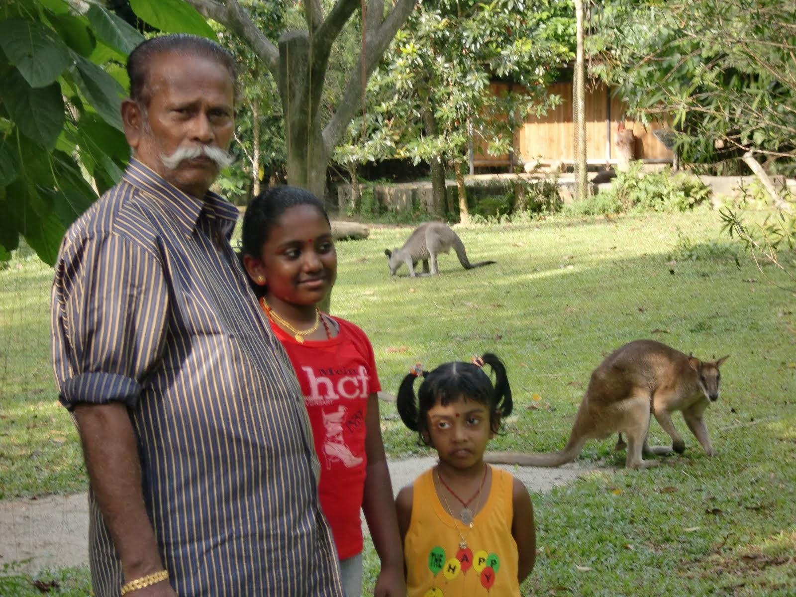 ஓம் ஸ்ரீம் ஹ்ரீம் க்லீம் க்லௌம் கம்