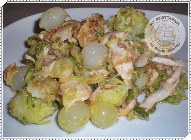 Insalata di pollo con zucchine, patate e cipolline