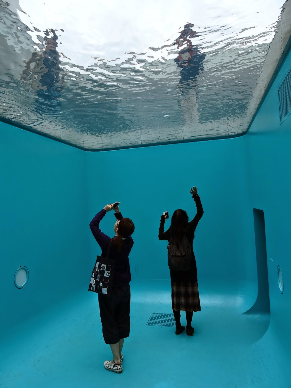Swimming Pool Art : Webs of significance leandro erlich at kanazawa