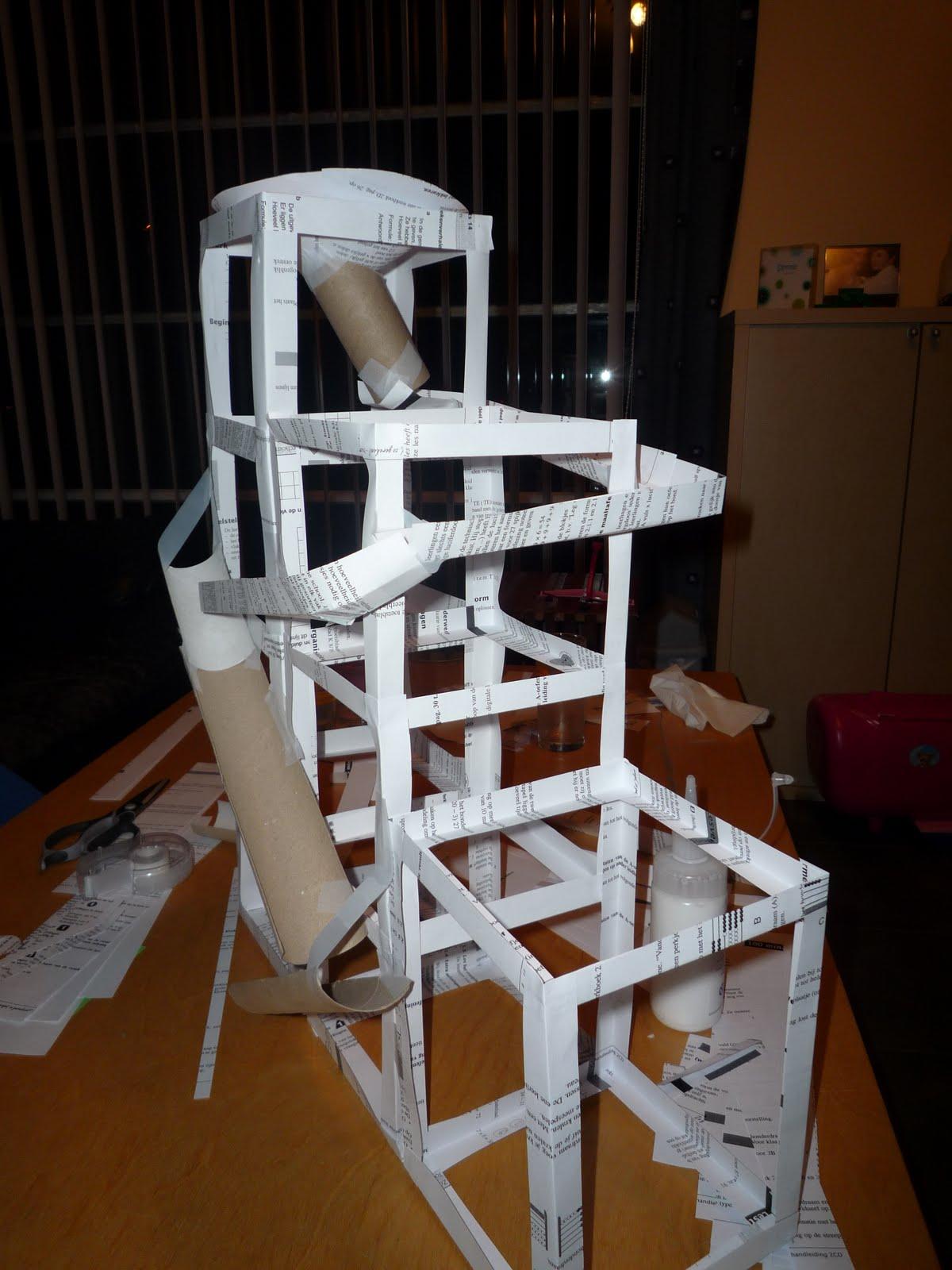 WO - Anya: Techniek: knikkerbaan maken