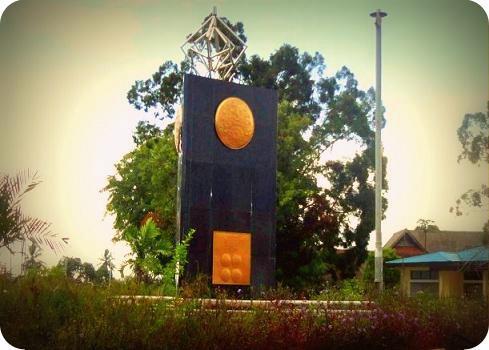 Piala Adipura 2015 Diarak Warga Kota Biak