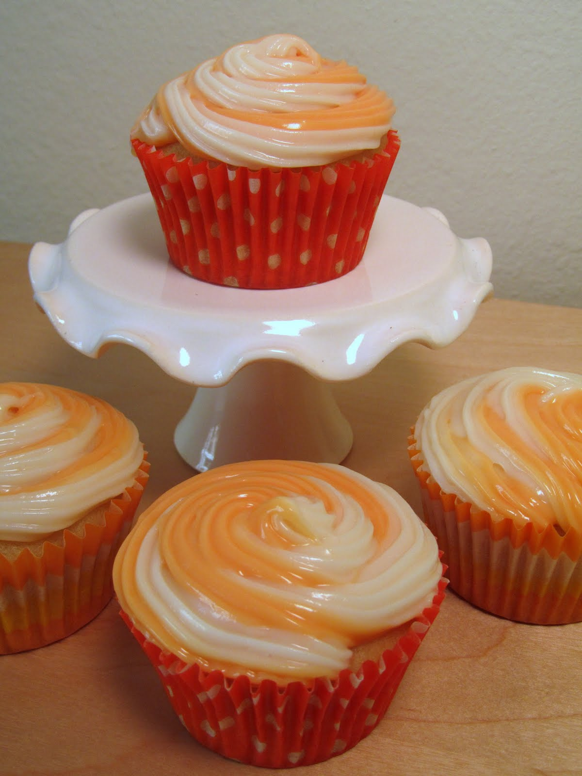 It's the little things in life...: Orange Creamsicle Cupcakes