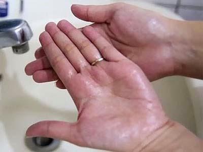 Tangan Berminyak