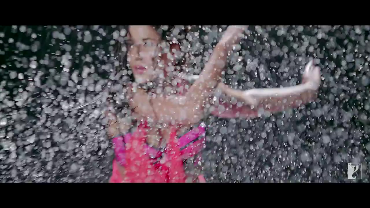 wet stills of katrina kaif