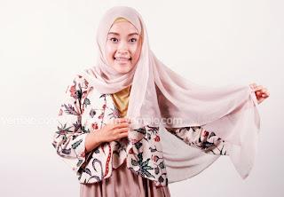 Cara Pakai shawl Segi Empat