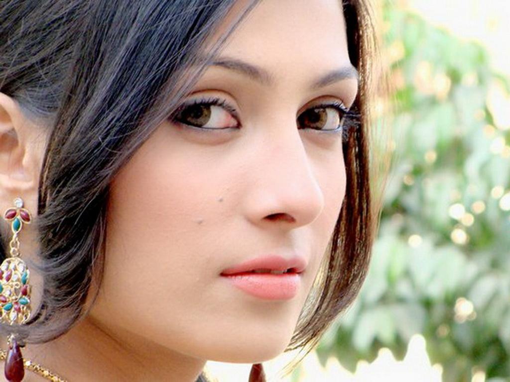 elegance of life ayeza khan