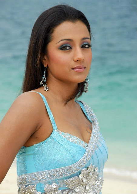 Trisha Acter badet Vedeo