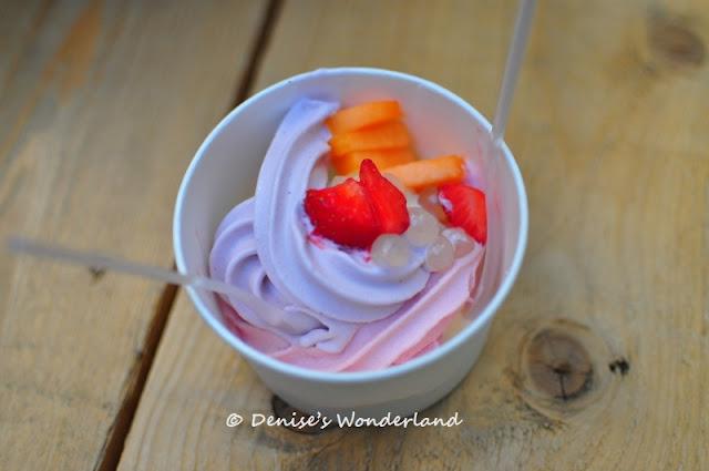 Frozen Yoghurt Waffles & Coffee, Amsterdam