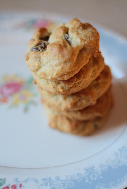 honey chocolate chip cookies yum mamachee. Black Bedroom Furniture Sets. Home Design Ideas