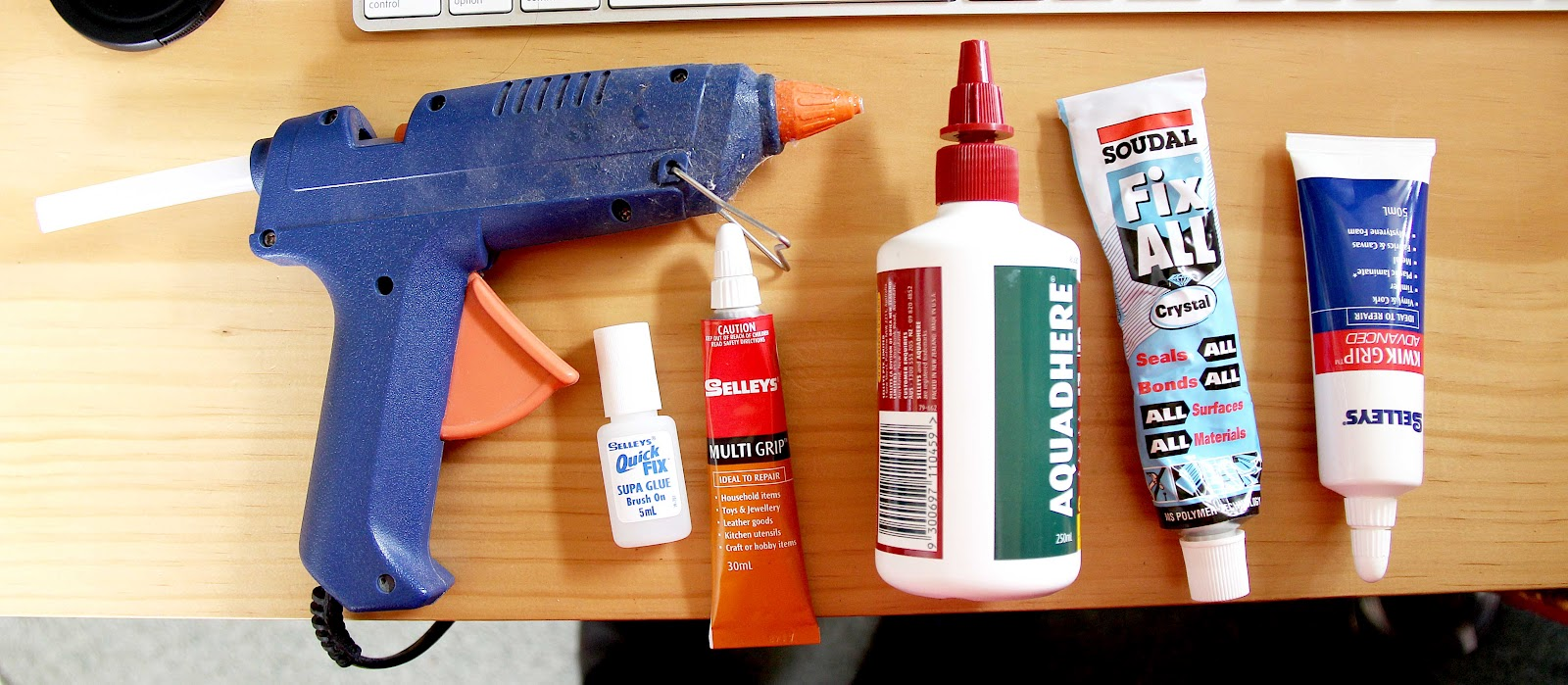 types of glue - glue tips essay I've had several comments from folks recently who said they weren't aware that there are different types of hot glue guns, so i decided to do a post with my top 10 hot glue gun tips and tricks.