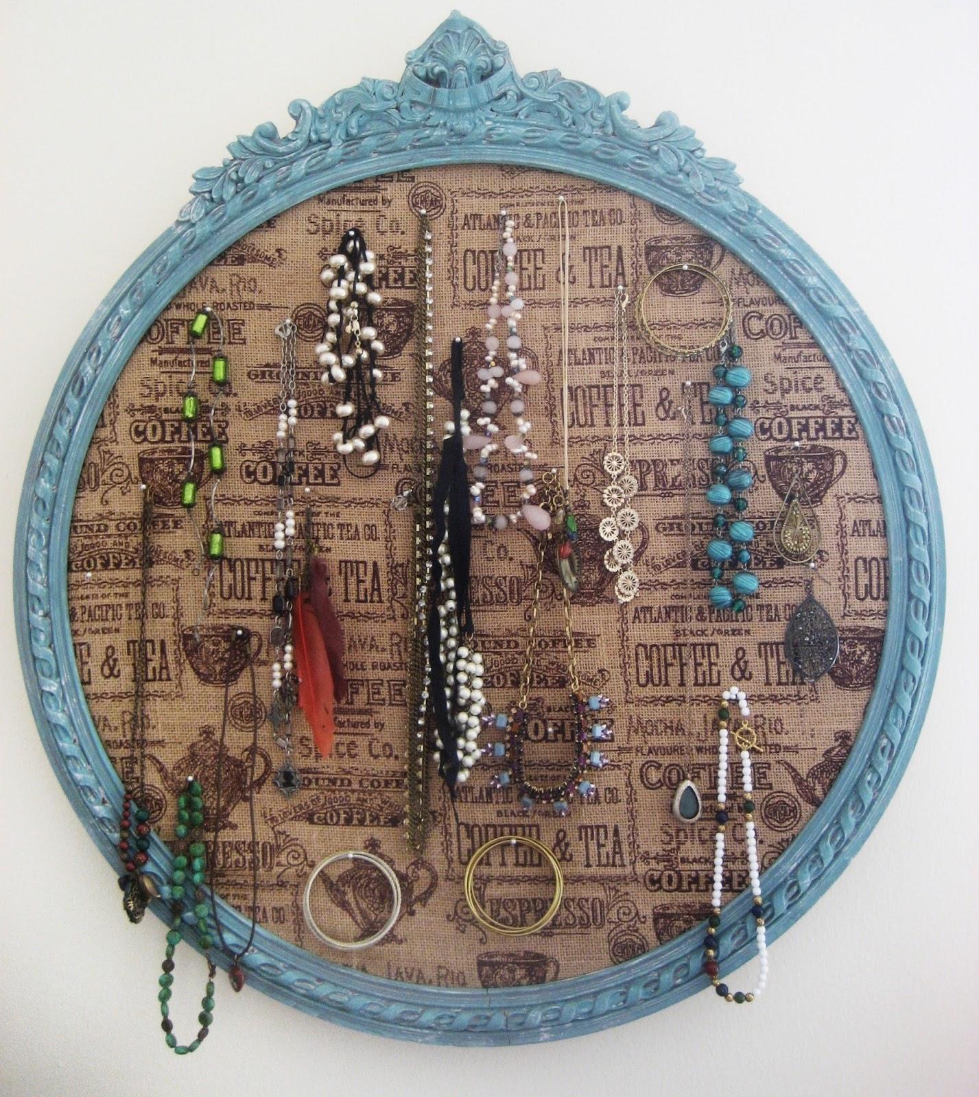 Chuck Does Art: DIY: Framed Cork Board Jewelry Organizer with Burlap