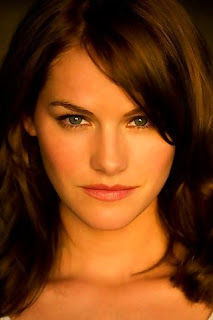 Kelly Overton Pictures