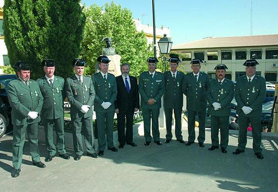 http://andaluciainformacion.es/jaen/509334/la-guardia-civil-celebra-su-171-aniversario-fundacional/