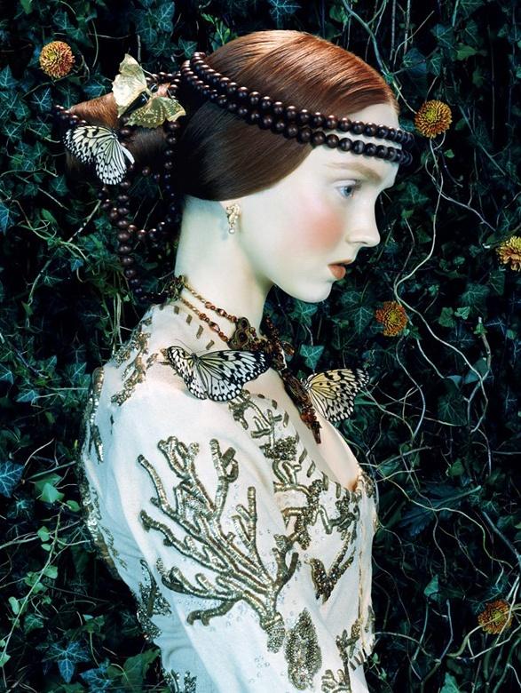 http://4.bp.blogspot.com/-ST8zp77fkWc/TpxWiBKGg1I/AAAAAAAAAq4/zkJGQCXypEA/s1600/Miles+Aldridge+%25C3%2597+Lily+Cole+-+Vogue+Italia+February+2005+-+like+a+painting+-+001.jpg