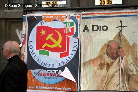 An Italian poster on the funeral day of pope JP2
