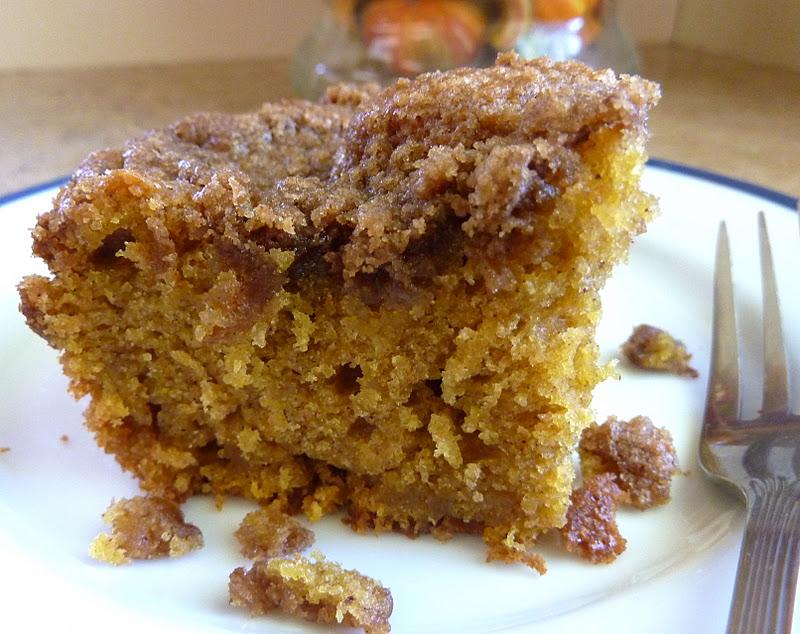 beurrista: pumpkin streusel coffee cake
