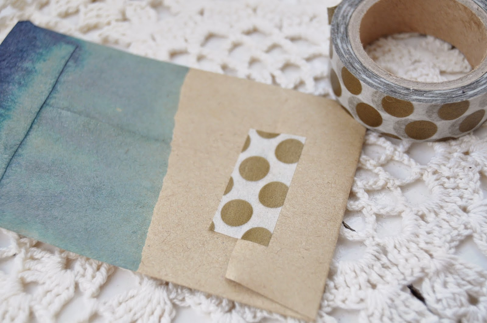 http://thecuriouslifeoflisa.blogspot.co.uk/2015/04/diy-dip-dyed-envelopes-with-food.html