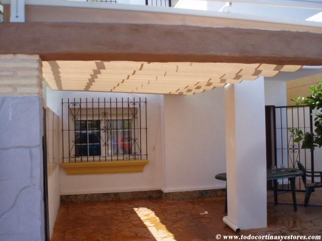 Decoracion interior cortinas verticales estores - Como hacer un toldo para pergola ...