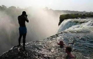 Kolam Setan di Zimbabwe - Victoria Falls