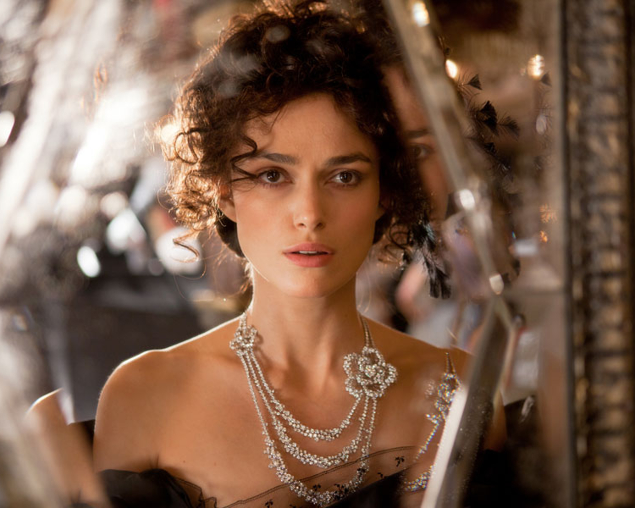 http://4.bp.blogspot.com/-SU1vleOaNww/T6y1t7wDNbI/AAAAAAAAFD4/S5mO-j5y9Y0/s1600/keira-knightley-anna-karenina.jpg