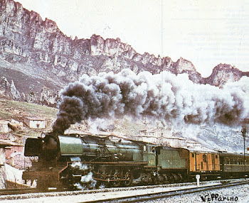 Locomotora de vapor ,remolcando composición de viajeros