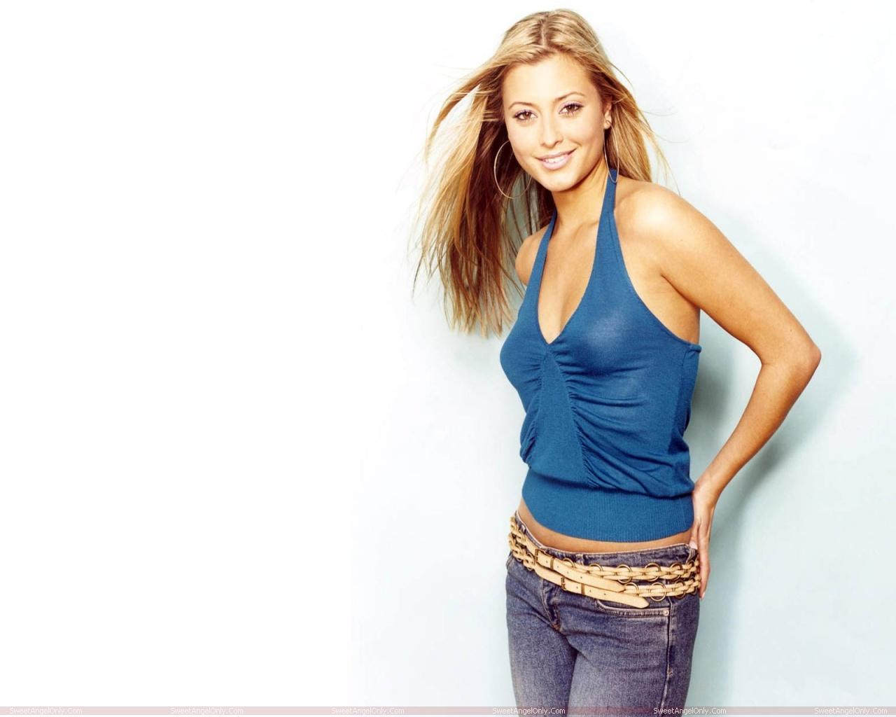 http://4.bp.blogspot.com/-SUV5yjXXIIg/TV1Gpvf2rQI/AAAAAAAAEfg/HbyLpA_bhsk/s1600/actress_holly_valance_hot_wallpapers_sweetangelonly_01.jpg