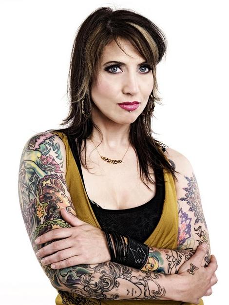 Tatuadora Hannah Aitchison